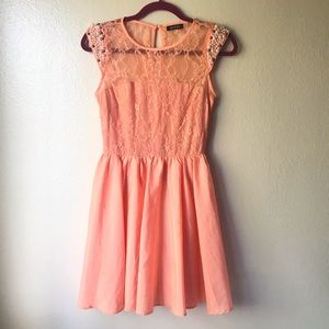 Do & Be Peach Lace and Pearl Dress Size Small
